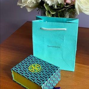 Bundle of 2! Tiffany bag & tory burch box